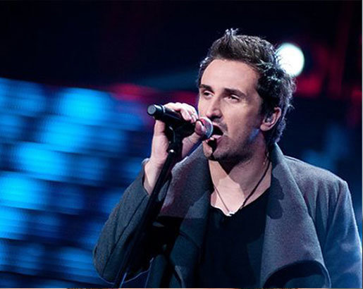 Sebastian Karpiel-Bułecka - wokalista